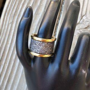 henri bendel Bond Street Black Pave Gold Ring!